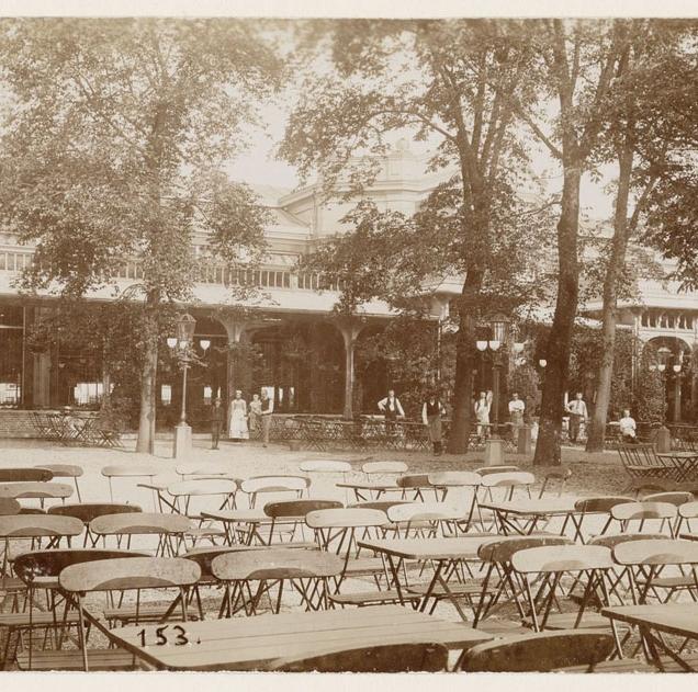 11_Voorplein fraai plus serres sierstucw. hoog dak ca 1895