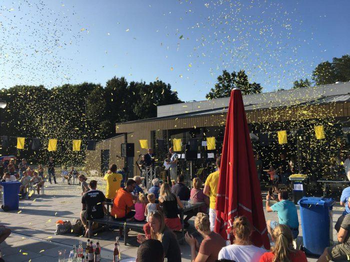 Opening van het nieuwe clubgebouw van korfbalvereniging Tempo